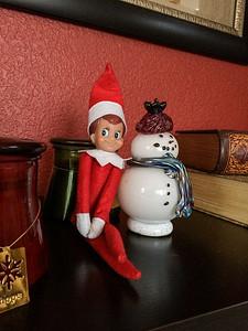 2014.12.07 - Ellken, the elf on a shelf