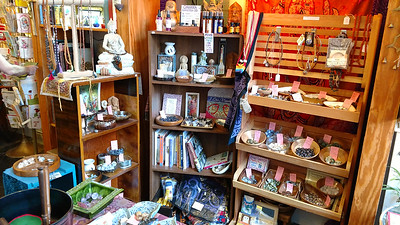 Specialty gift shop (3)