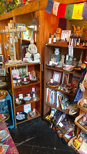 Specialty gift shop (9)
