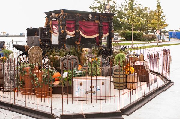 2016.10.17 - Chicago - Navy Pier - Halloween display