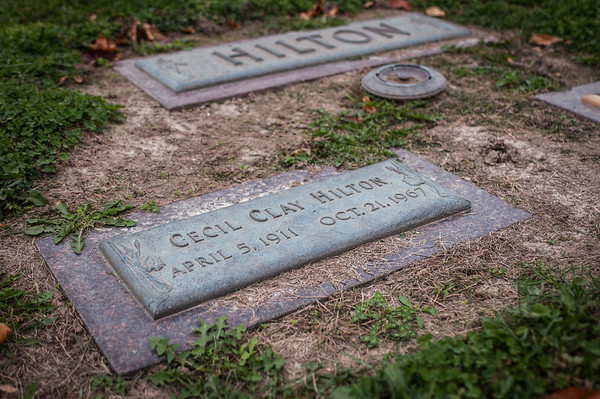 2016.10.19 - grave of Cecil Clay Hilton (Dad's father)