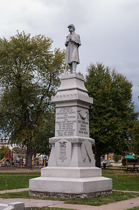 2016.10.19 - Macomb - honorary statue for men who served in the military