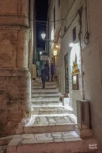 Up the steps to the restaurant: Osteria Monacelle