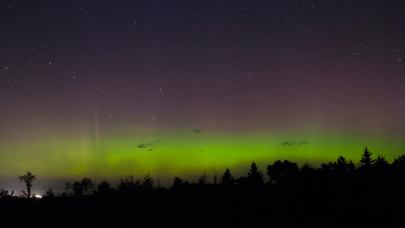 We had a nice Aurora at the Carr Astronomical Observatory last night! Canon 5D, Canon 24mm f/1.4 lens at f/5.0, 30seconds