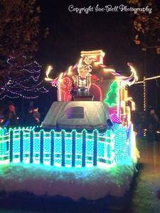 20151107-SilverDollarCity-ChristmasParade-13