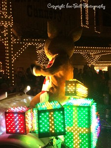 20151107-SilverDollarCity-ChristmasParade-02