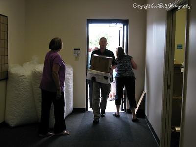 20100706-SITK-DeliveringSheetsToShipToTheSITennesseClubs-08