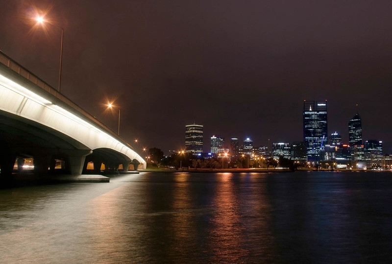 The Narrows Bridge and Perth CBD