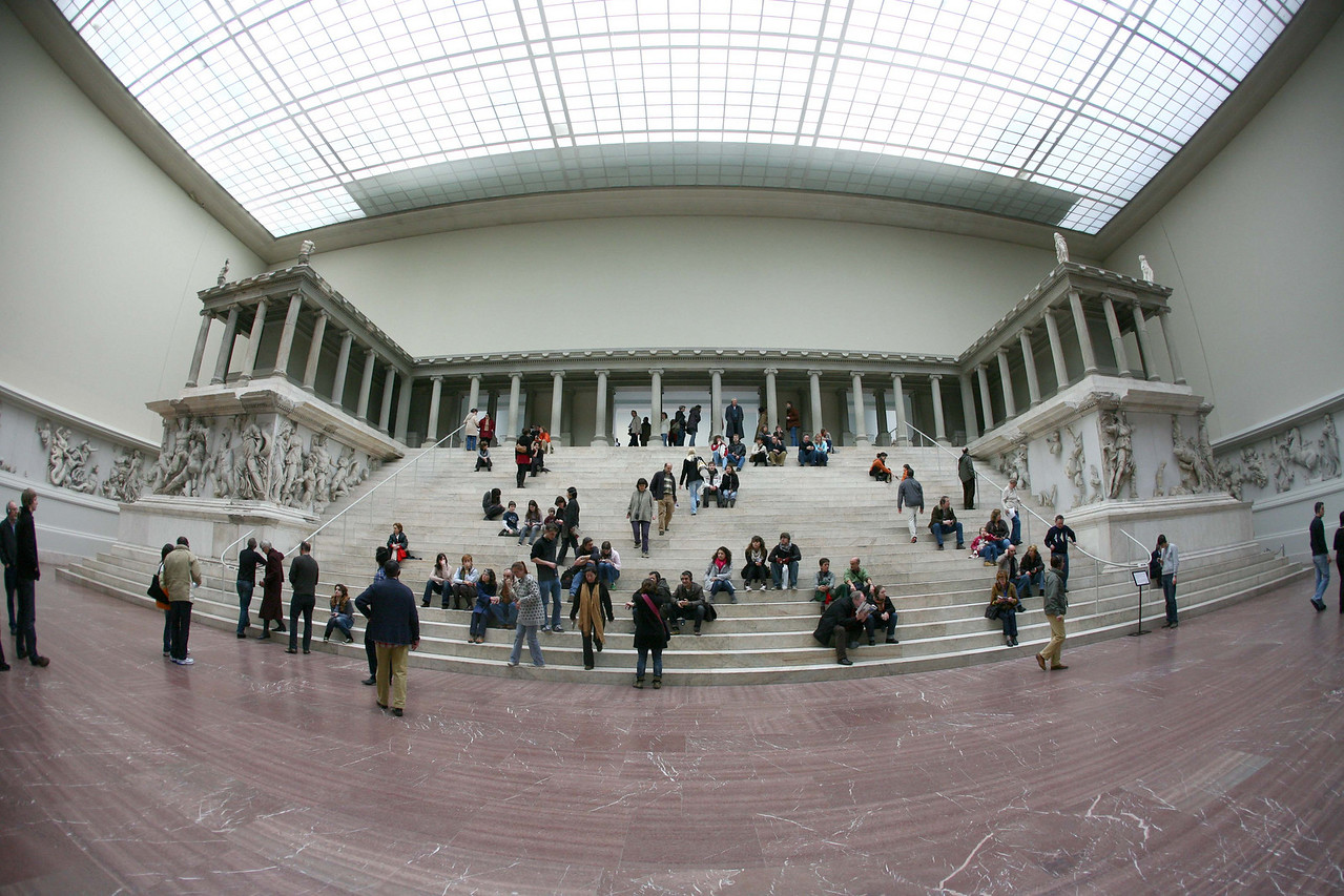 Then to the Pergamon museum with its fully preserved greek temple