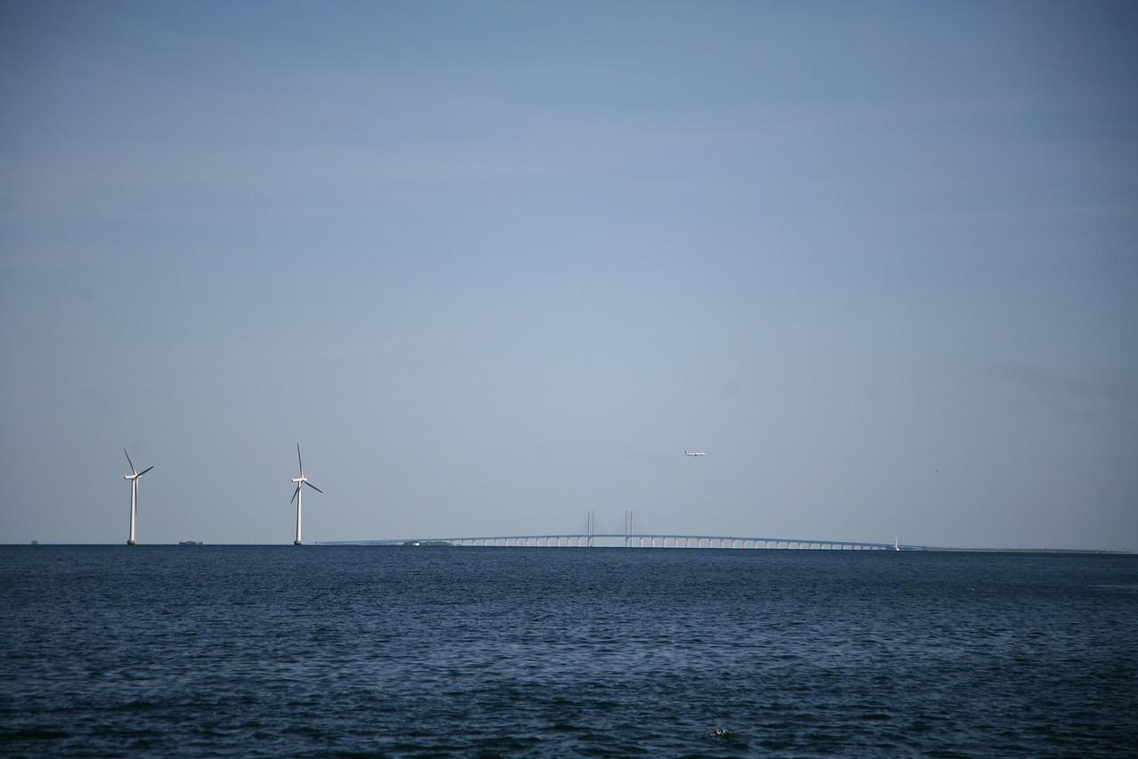 The wind farm as well as the Øresund bridge- so pretty.