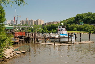 According to Google Earth this is the Flotilla Boat Club.  Confirmed here also: http://www.bridgeandtunnelclub.com/bigmap/manhattan/uppermanhattan/inwood/shermancreek/index.htm