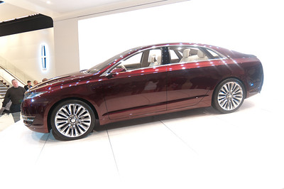 Lincoln MKZ Concept More info here: http://www.motortrend.com/future/concept_vehicles/1201_lincoln_mkz_concept_look/