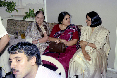 Right to Left: Swarup (Javeri), Sharda Nanda (Suchit's mom), Naniji (Suchit's Grandmother) & Manu (Suchit's brother) in the foreground