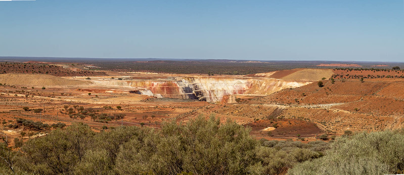 Mt Magnet Tourist Route drive - Ramelius Resources Minesite