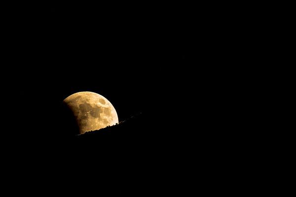 Super Harvest Blood Moon Eclipse