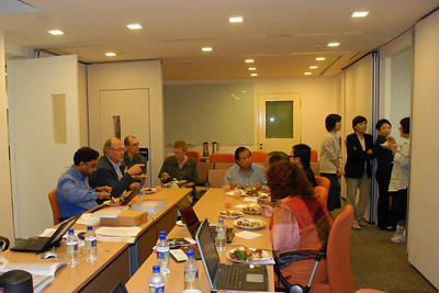 The IDRC, Singapore staff meet with the DirAP Ed Board over lunch.