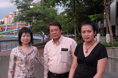Jian Yan Wang, Felix Librero and Patricia Arinto on the walk back to the Hotel from IDRC office