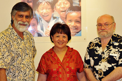 Team DirAP: Shahid Akhtar, Maria Lee Hoon, Claude-Yves Charron at the IDRC office in Singapore