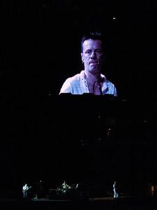 2011-07-14-U2-360-PHL-0094
