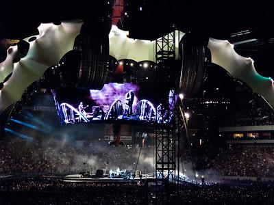 2011-07-14-U2-360-PHL-0102