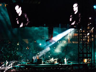 2011-07-14-U2-360-PHL-0054