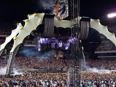 2011-07-14-U2-360-PHL-0014