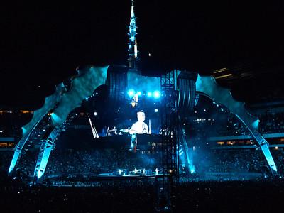 2011-07-14-U2-360-PHL-0113