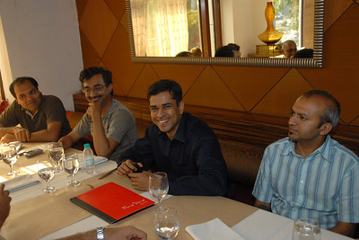 Lunch at Fine Dine with Vipul Shah, Himanshu Gohel, Parag Kapashi & their respective family members who were visiting India. Few of us from LW-BBS and MUC met for lunch at Fine Dine, Chowpatty, Mumbai on 6th January 2008.