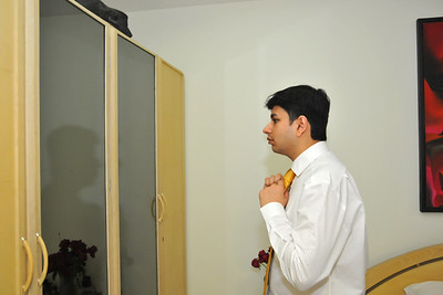 Neel helping Parthiv at the Mehta home in Ahmedabad before the marriage reception of Parthiv (s/o Roopal & Kushal Mehta) & Neha (d/o Heena & Shailesh Kapadia) in Ahmedabad on 22nd December 2009.