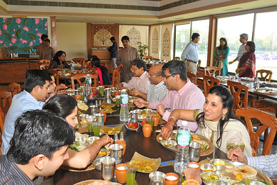 Lunch at Karnavati Club before the marriage reception of Parthiv (s/o Roopal & Kushal Mehta) & Neha (d/o Heena & Shailesh Kapadia) in Ahmedabad on 22nd December 2009.