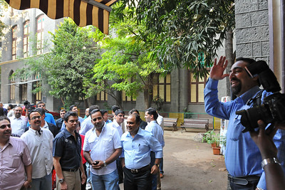 Old friends meet in the school ground at the appointed time of 4 pm.  St. Xavier's High School - Batch of 1984 25 YEAR REUNION meeting held on 27th December, 2009 at the School in Dhobi Talao, Mumbai.  Thanks Anu for taking this picture.