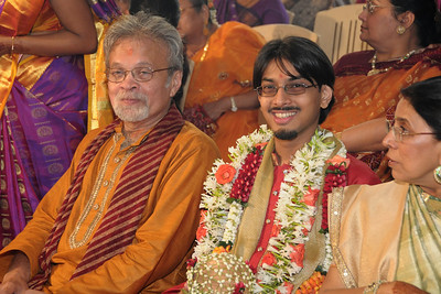 Jay sitting between Harsh & Swarup. Pictures from the wedding of Jay (s/o Swarup & Harsh Javeri) & Lakshmi (d/o Gayatri & Govindrajan) held at Sri Ahobila Mutt Hall, Chembur, Mumbai.  The venue is a sacred place consecrated by His Holiness Srivan Satakopa Sri Vedanta Desika Yatindra Mahadesika (the 44th Jeeyar of Sri Ahobila Mutt).