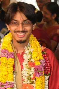 Pictures from the wedding of Jay (s/o Swarup & Harsh Javeri) & Lakshmi (d/o Gayatri & Govindrajan) held at Sri Ahobila Mutt Hall, Chembur, Mumbai.  The venue is a sacred place consecrated by His Holiness Srivan Satakopa Sri Vedanta Desika Yatindra Mahadesika (the 44th Jeeyar of Sri Ahobila Mutt).