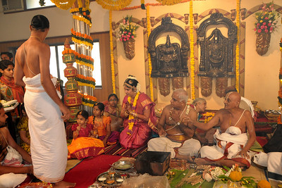 Start of the wedding rituals. Pictures from the wedding of Jay (s/o Swarup & Harsh Javeri) & Lakshmi (d/o Gayatri & Govindrajan) held at Sri Ahobila Mutt Hall, Chembur, Mumbai.  The venue is a sacred place consecrated by His Holiness Srivan Satakopa Sri Vedanta Desika Yatindra Mahadesika (the 44th Jeeyar of Sri Ahobila Mutt).