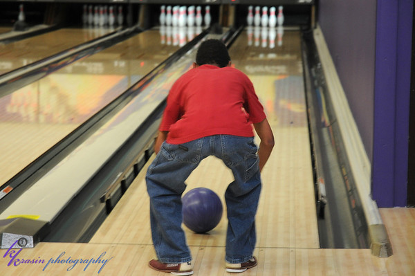 This is how he ended up bowling by himself
