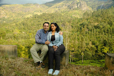 Suchit & Anu in Munnar, Feb'2006
