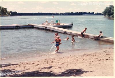 KathyIce-ShawneeBoatAndSkiClub-July1966-2