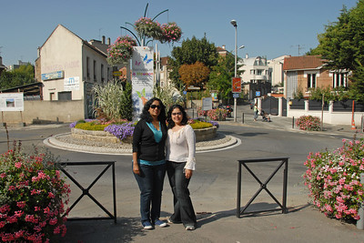 Anu & Priya at Meudon, Paris, France