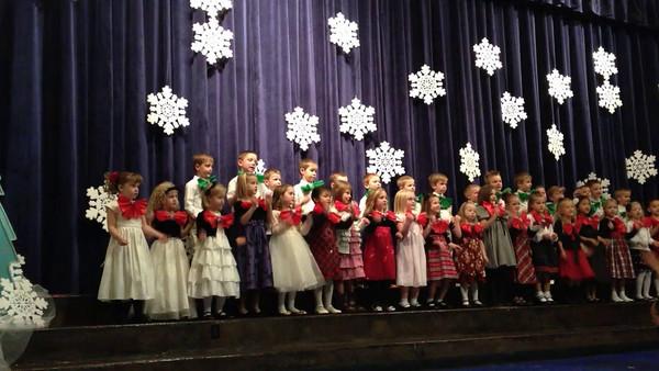 Robyn's Kindergarten Christmas Concert 720p