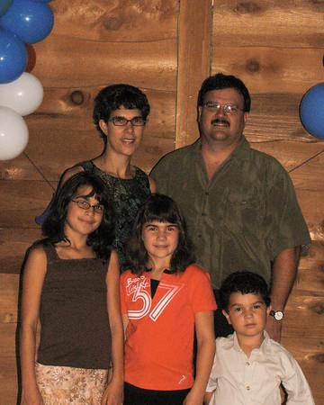 Famille de / Famille de / Family of Joseph / Cécile / Denise<br /> Joanne, Paul, Jocelyne, Gabrielle & Jean-Paul