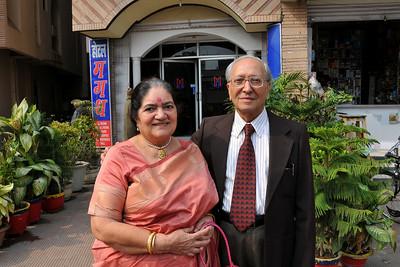 Papa (S K Nanda) and Amma (Sharda Nanda) at Nimisha wed Piyush Seth in Patna on 1st Feb, 2008.