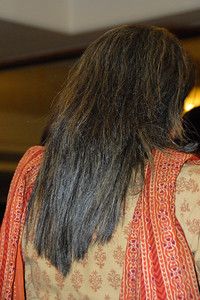 """That's Priya's back with her new hair-do! Seems there is a great hair stylist in Versova and you """"hand yourself to him"""" and he does the wonders. :)"""