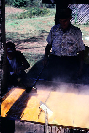 1980 Molasses making on Poplar Fork of Little Creek