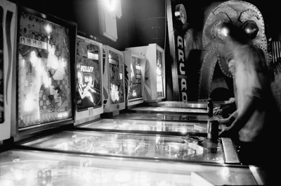 sure plays a mean pinball
