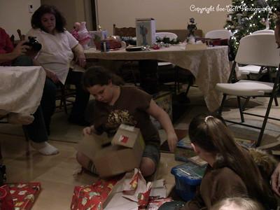 20071225-ChristmasGiftsGirls-Ashlynn-20