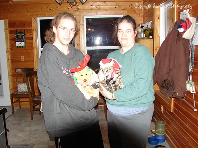 20071224-HeatherAkiraPatrickOMalley-ReadyForChristmas-02