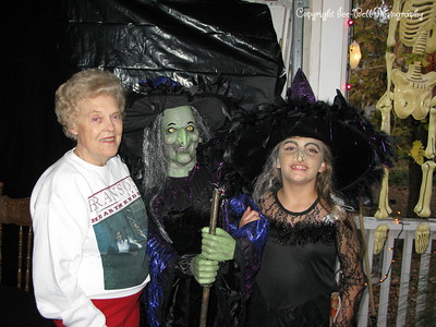 20081031 - Baylee-Halloween-02