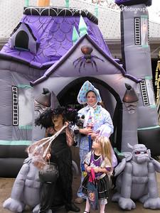 20081031 - AshlynnBayleeHanna-Halloween-05