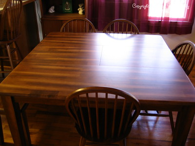 Table with leaf in.