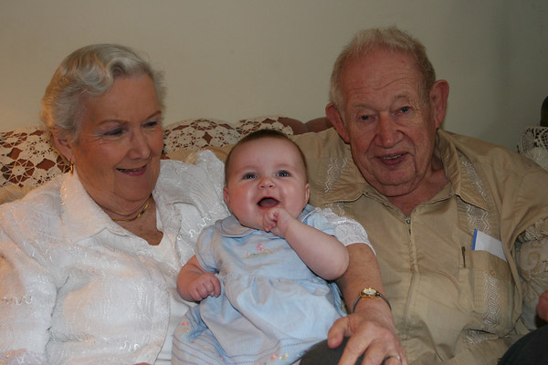 Isabelle with Great Grandma and Great Grandpa Moser.